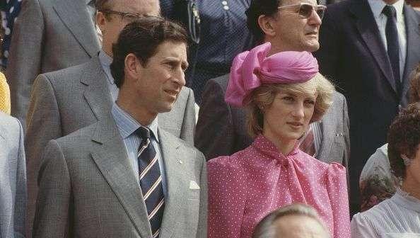 Emma-Corrin-as-Princess-Diana.jpg