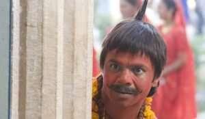 rajpal-yadav-as-chhota-pandit