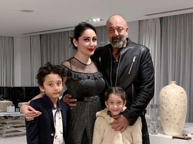 sanjay-dutt-family-photo