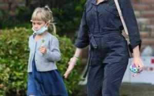 Scarlett Johansson with daughter