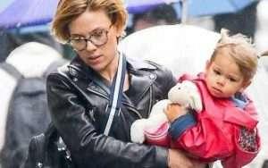 Scarlett Johansson and Rose